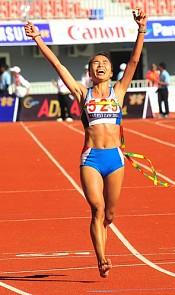 SEA大会でベトナム人女性がフルマラソン裸足で優勝!