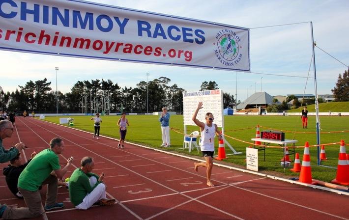 裸足100kmの世界記録への挑戦者求む!