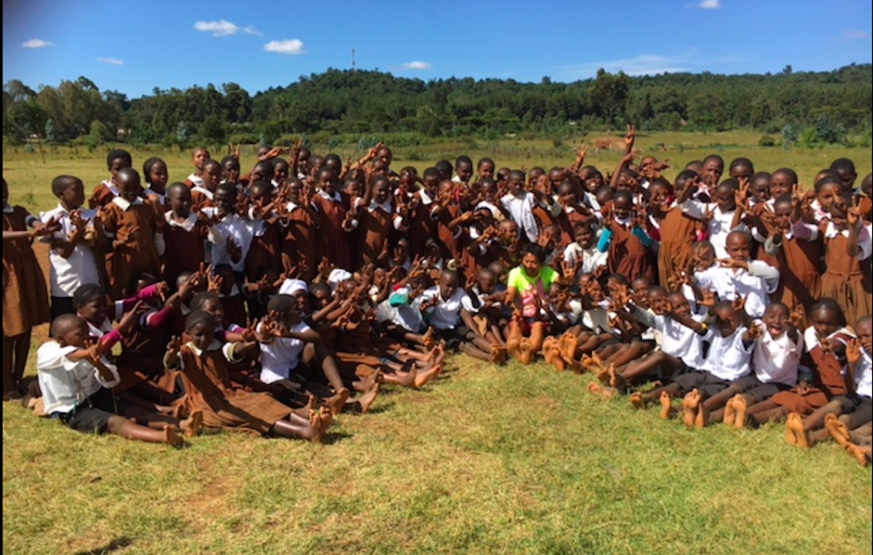 """Barefoot"" Running with Kenyans 〜まさかのケニアで裸足教育!?〜"