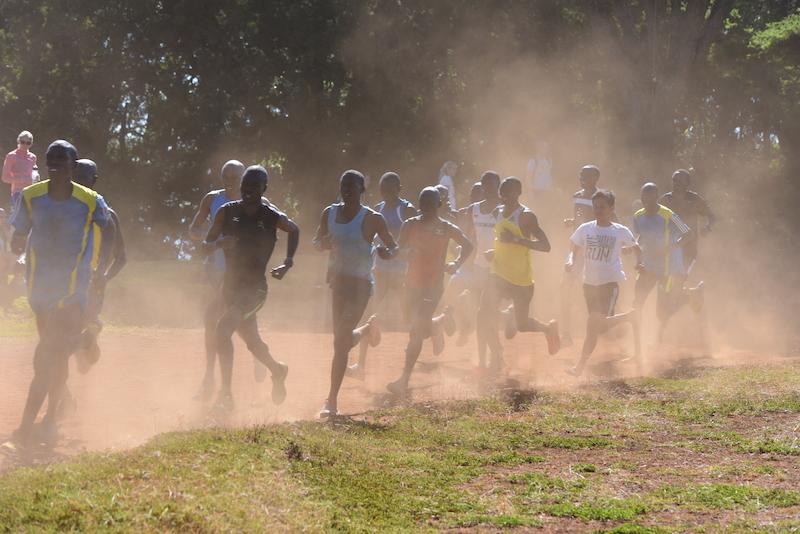 Running With Kenyan プロジェクト その2 裸足トレーニング編