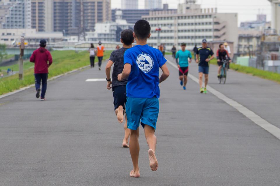 裸足フルマラソン日本記録更新!